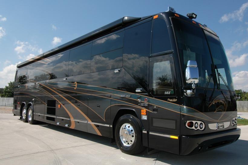 Prevost Motor Coach >> Pin By Gail Riggan On Luxury Motor Coaches 5th Wheels Rv Bus
