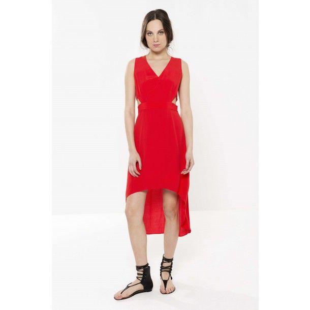 Robe rouge col en v