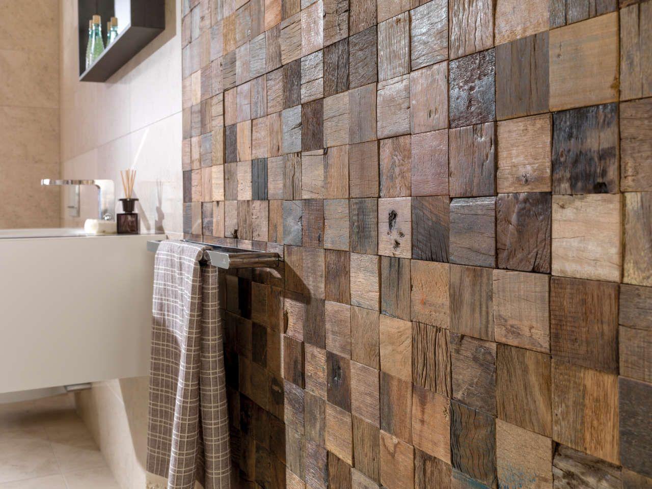 Foto revestimiento pared efecto madera en el ba o de for Revestimiento en madera para pared