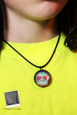 custom bottlecap necklace. w/ tutorial