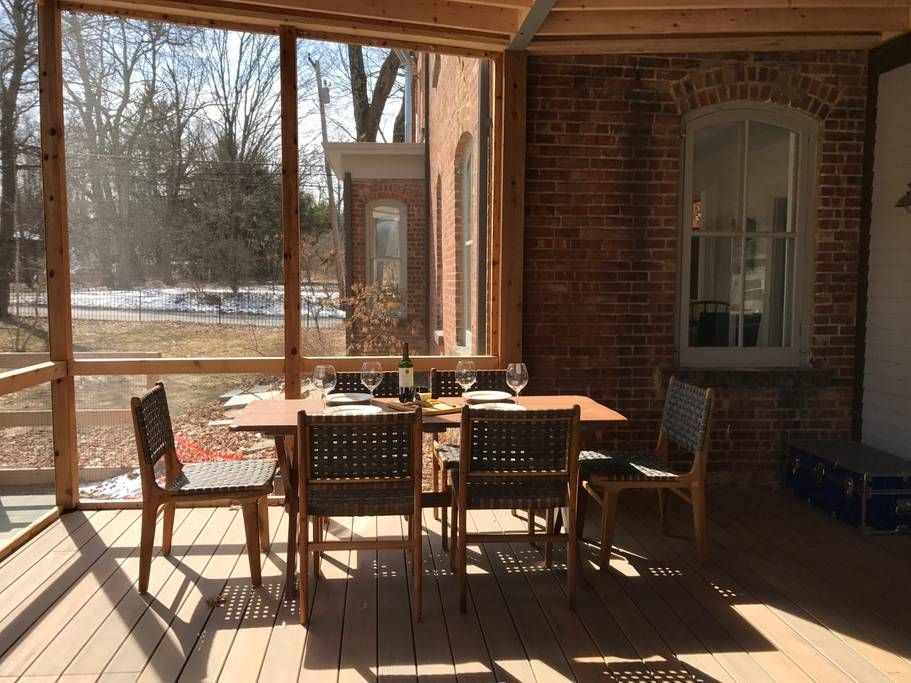 screened in porch, eating area (With images) Farm house