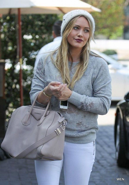 Hilary-Duff-tight-pants-9.jpg