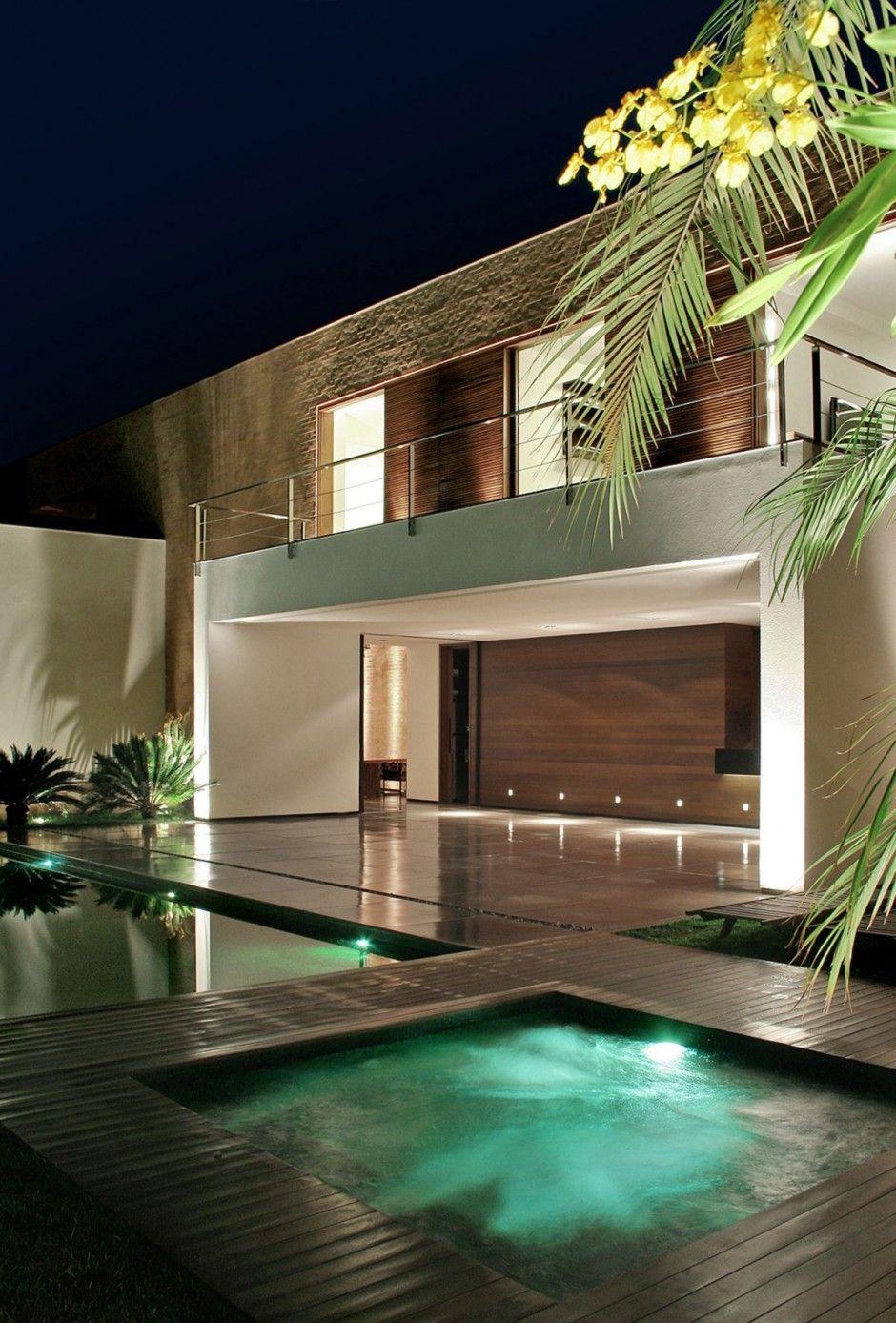 Brazil house jacuzzi fachada de casas pinterest for Jacuzzi casa moderna