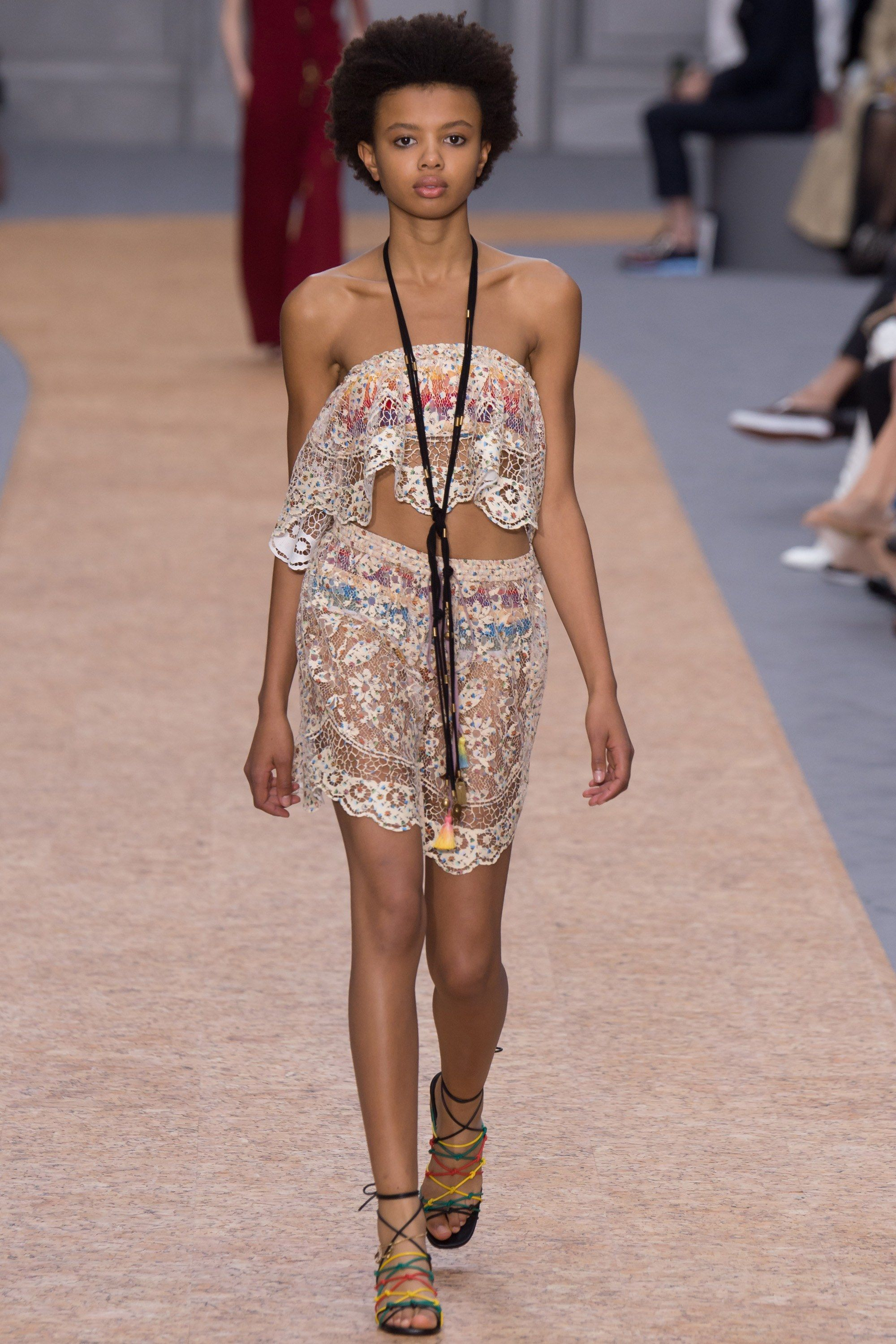 Chloé Spring 2016 Ready-to-Wear Fashion Show - Poppy Okotcha