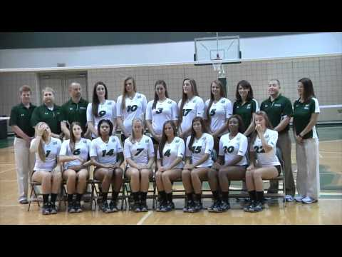College Volleyball Photo Shoot Day Ever Seen What Happens Behind The Scenes On A Collegiate Picture Day The Volleyball Photoshoot