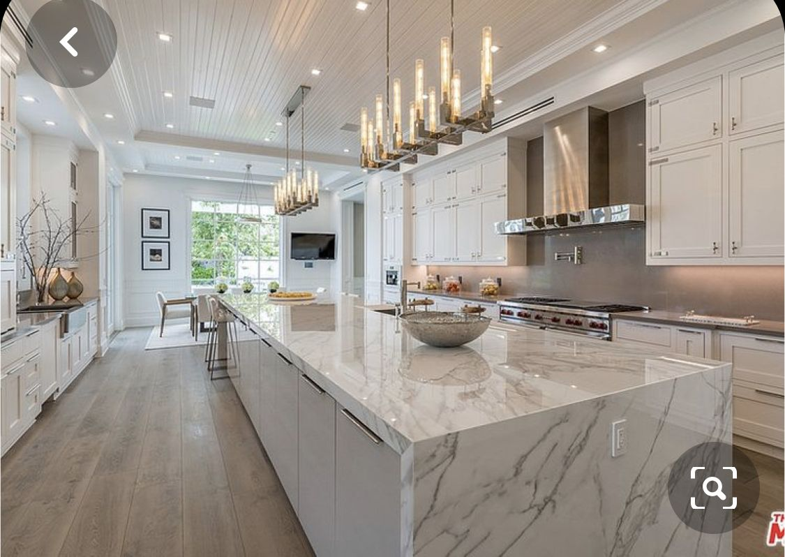 If We Had A Fully Open Dining Room It D Look Lk This If We Walked Off The Living We Could Have In 2020 Luxury Kitchen Design Luxury Kitchens Mansions Luxury Kitchens