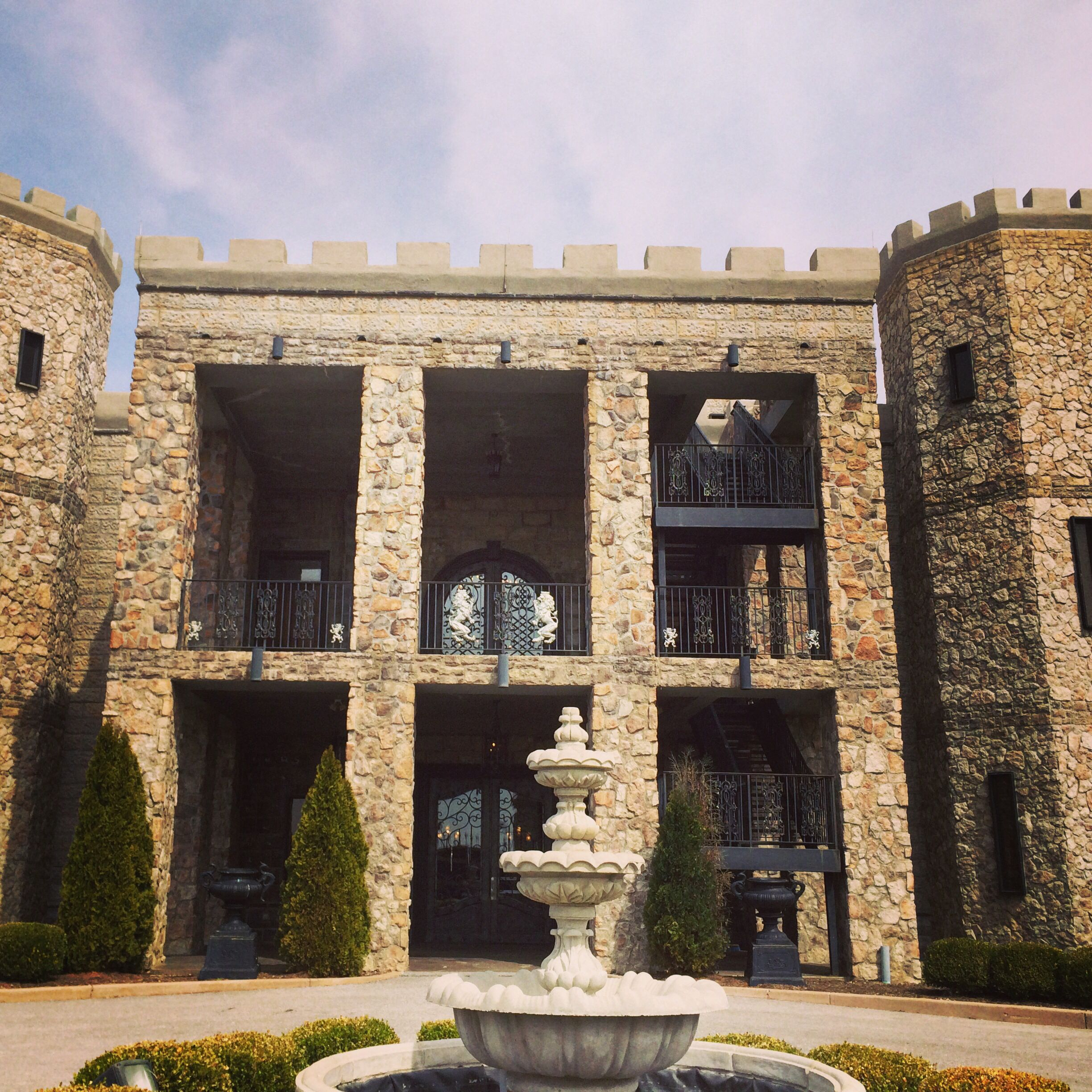 The Castle Post Versailles Ky Bed Breakfast Wedding Venue