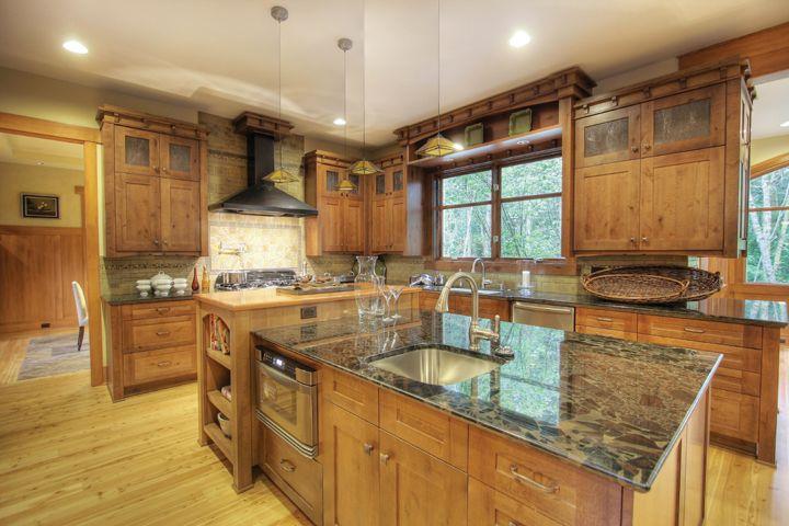 Hunnybee Blog Country Kitchens Kitchen Kraft Cabinets Country Kitchen Designs Country Kitchen