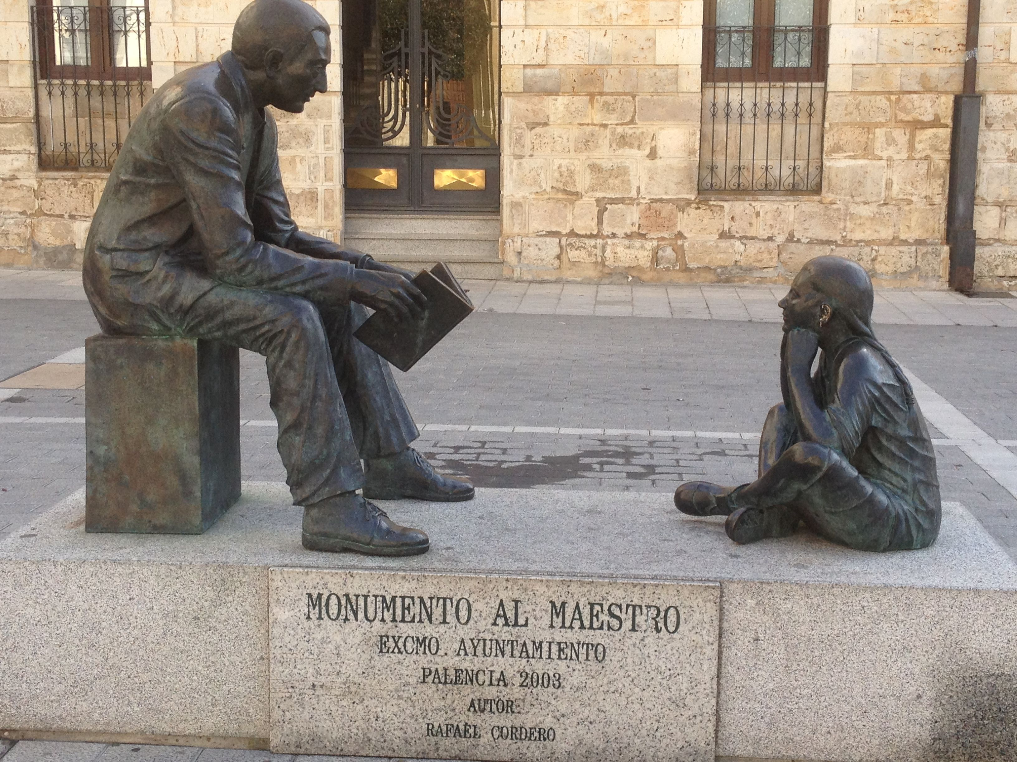 Monumento al maestro. Palencia. Ideal para patrimonioparajovenes.com