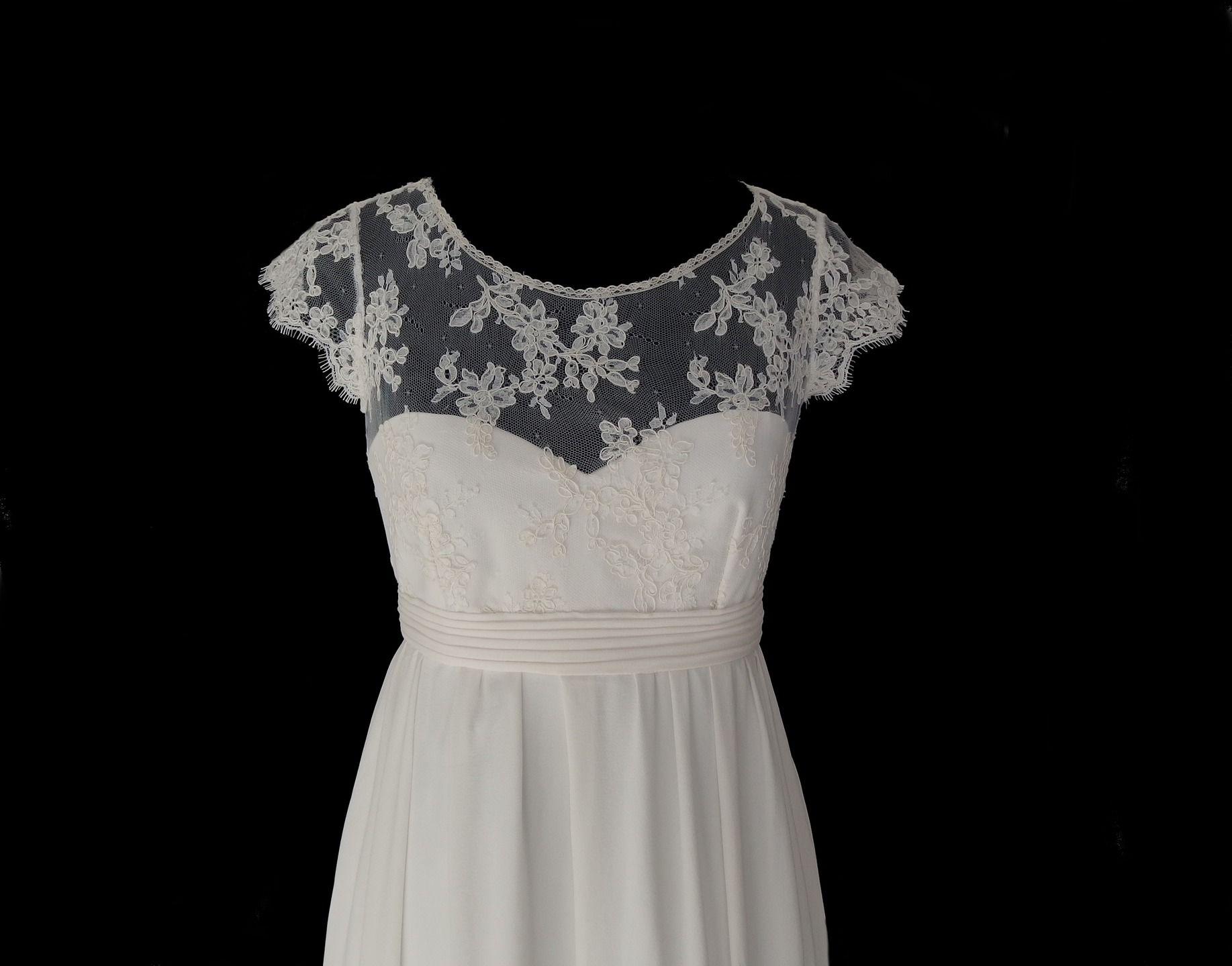 Robe blanche dentelle de calais