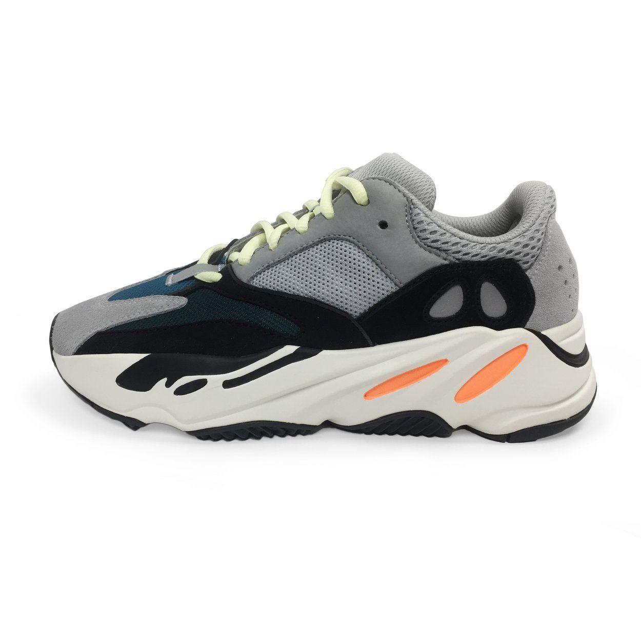 b8a6deeb14c adidas Yeezy Boost 700 Wave Runner cập bến -  300 cho một đôi