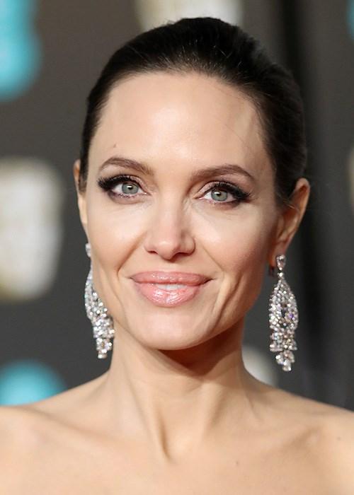 Angelina Jolie S Life As A Single Mom Is All About Balance Angelina Jolie Beauty Skin Care Salon
