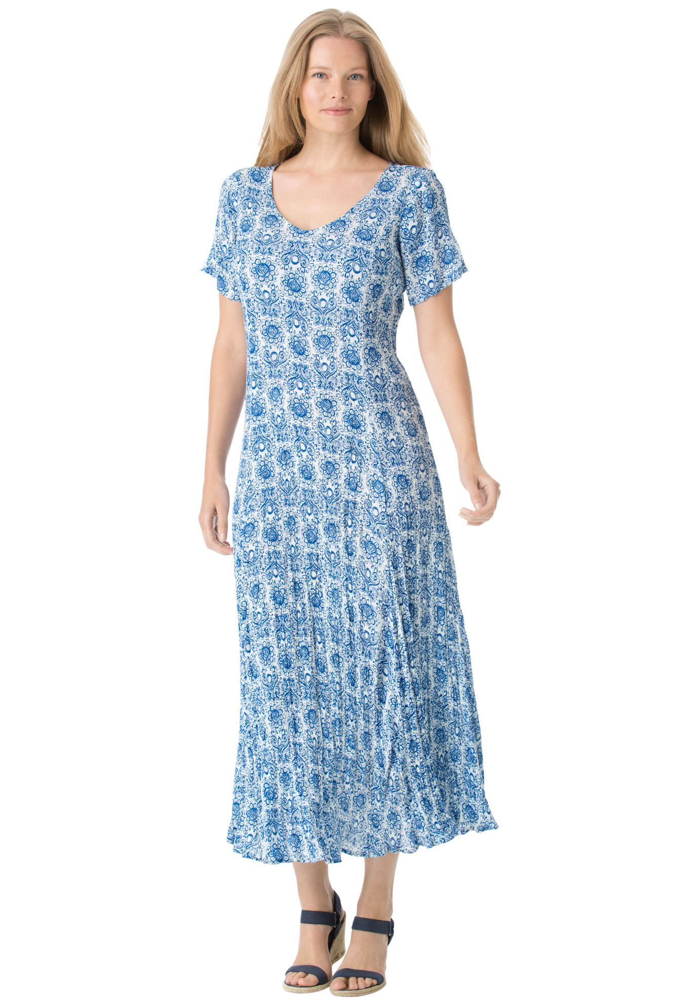 The spectacular texturerich crinkled rayon plus size dress looks