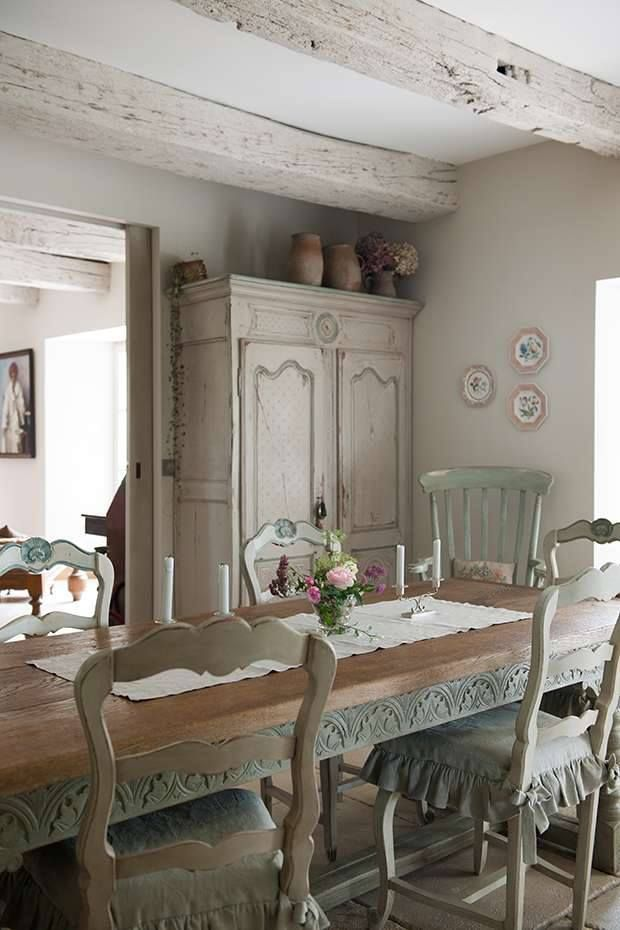 Whitewashed Beams In Dining Room But Very Shallow To Hide Cord Of Chandolier Above Table Whitewash Softens The Look Ceiling