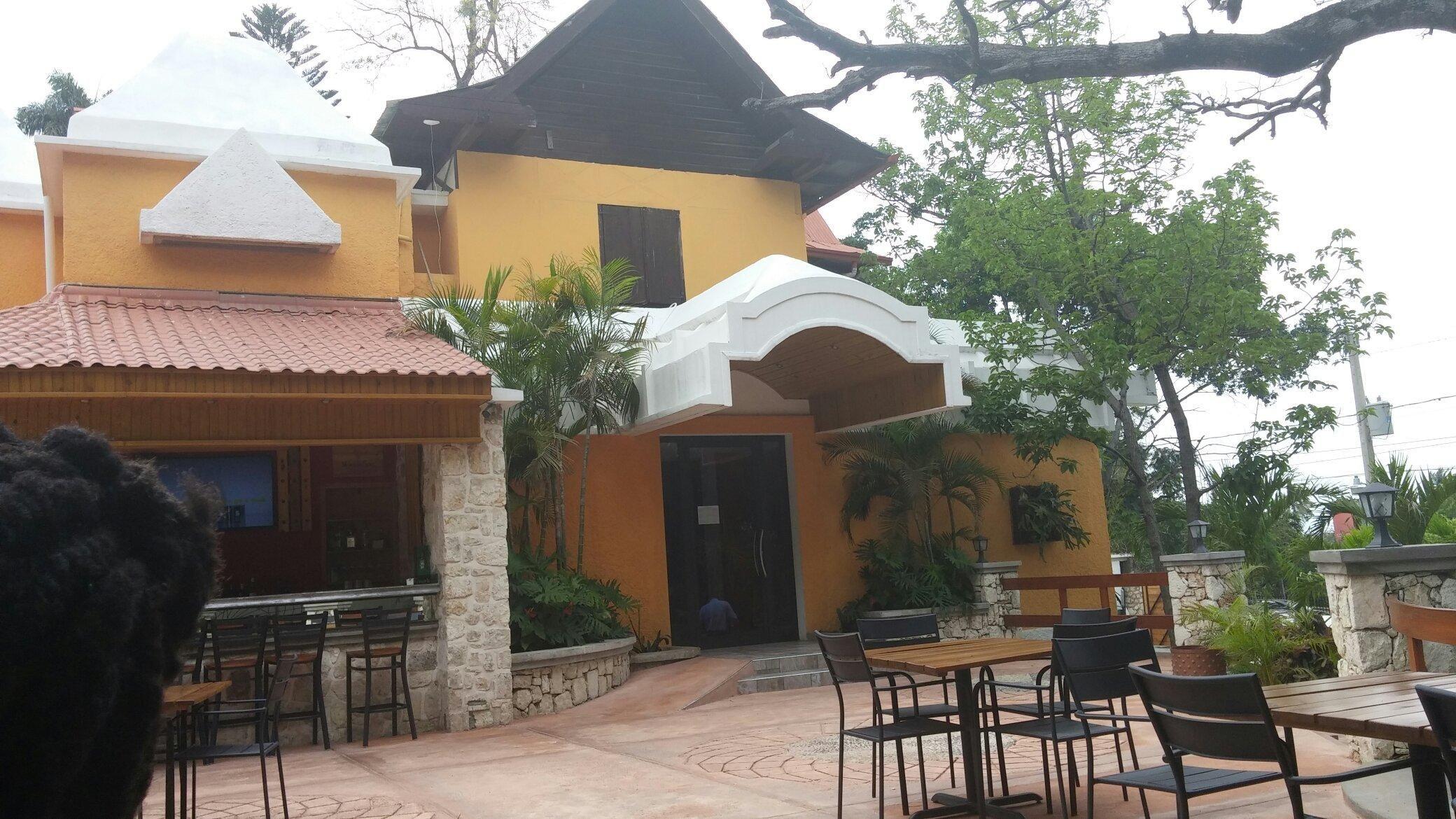 Kokoye Restaurant Grill Bar Port Au Prince Haiti With Images Port Au Prince Restaurant Places To Go