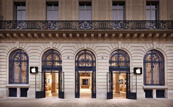 Apple Store Front in Paris.  Only in Paris would the Apple store look like this!