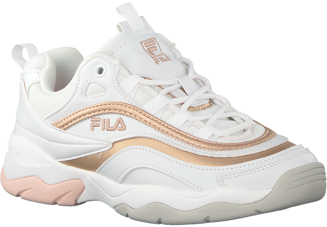 Witte FILA Sneakers RAY F LOW WMN in 2019 | Trend: Dad Sneakers ...