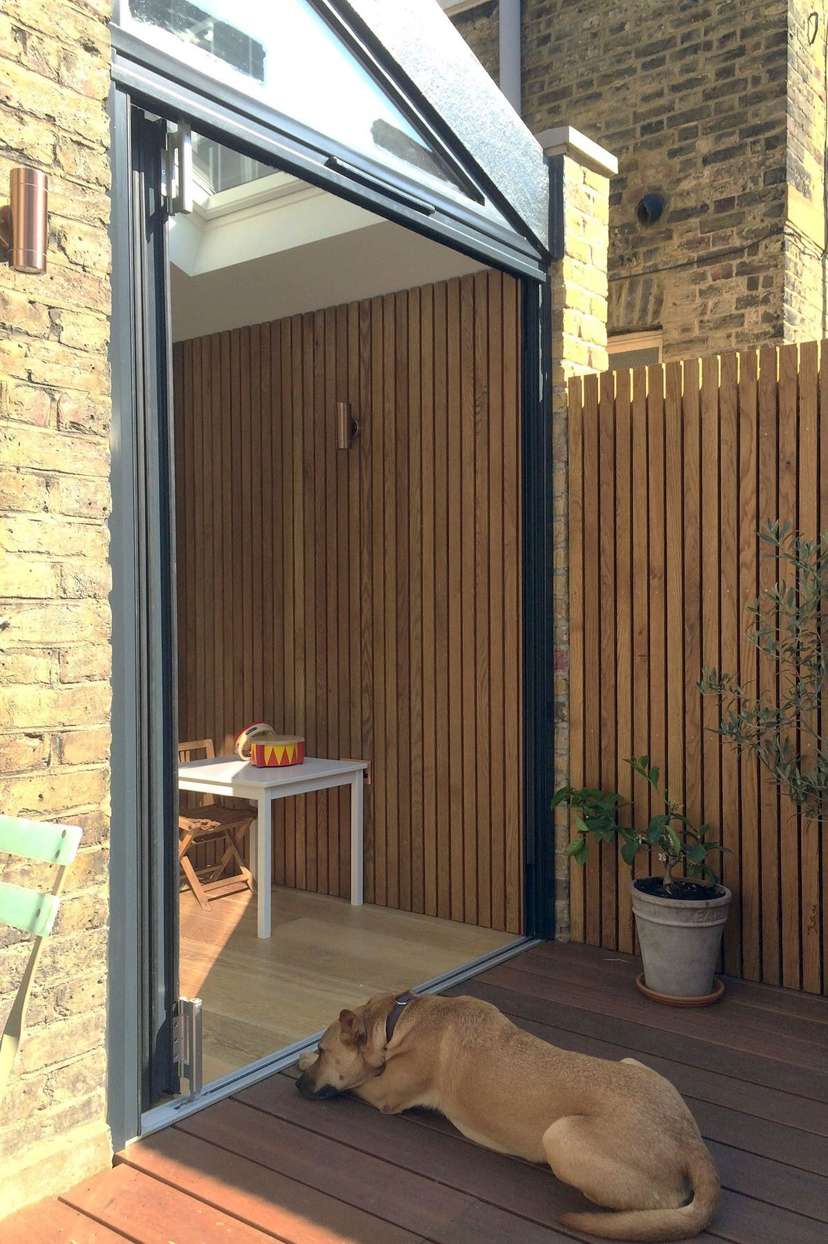 Indoor / outdoor living in London