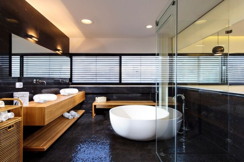 Int rieur design moderne d 39 une maison avec piscine - Photo d interieur de maison design ...