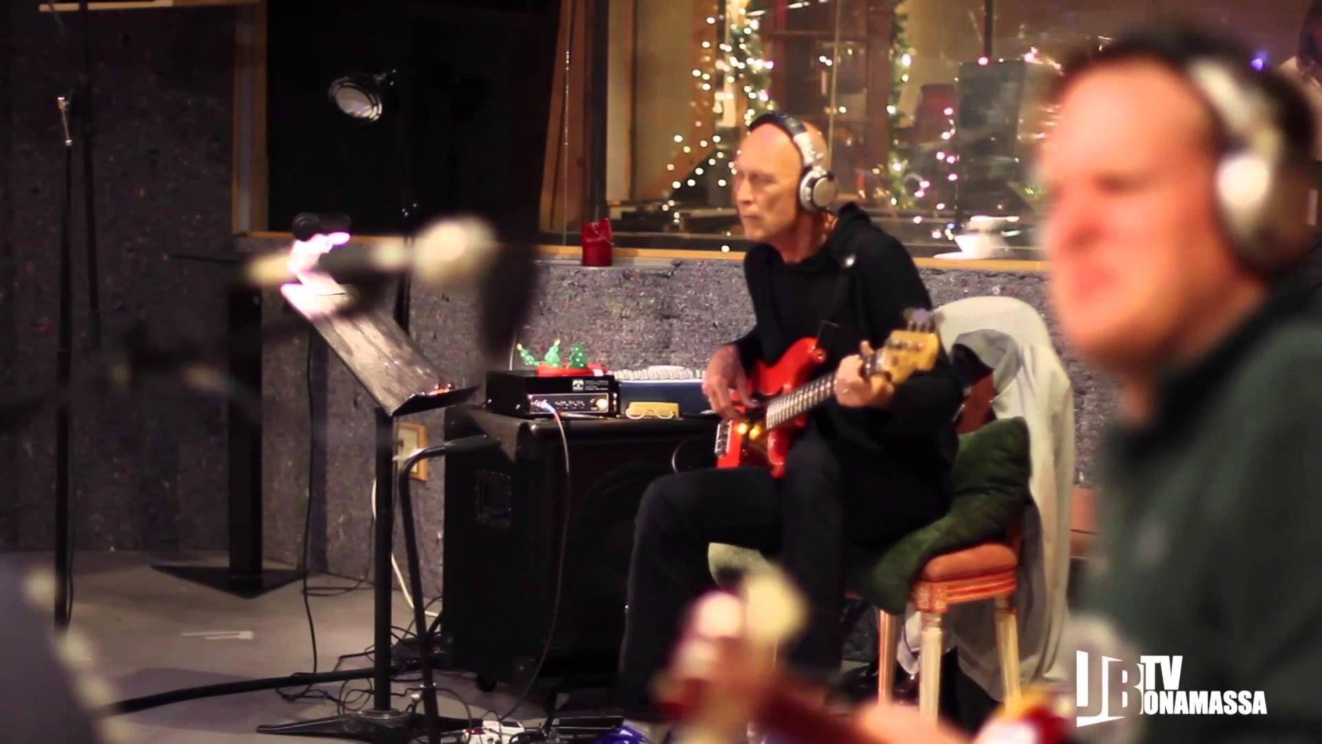 Joe Bonamassa - Lonesome Christmas - Offical Music Video | Eclectic ...