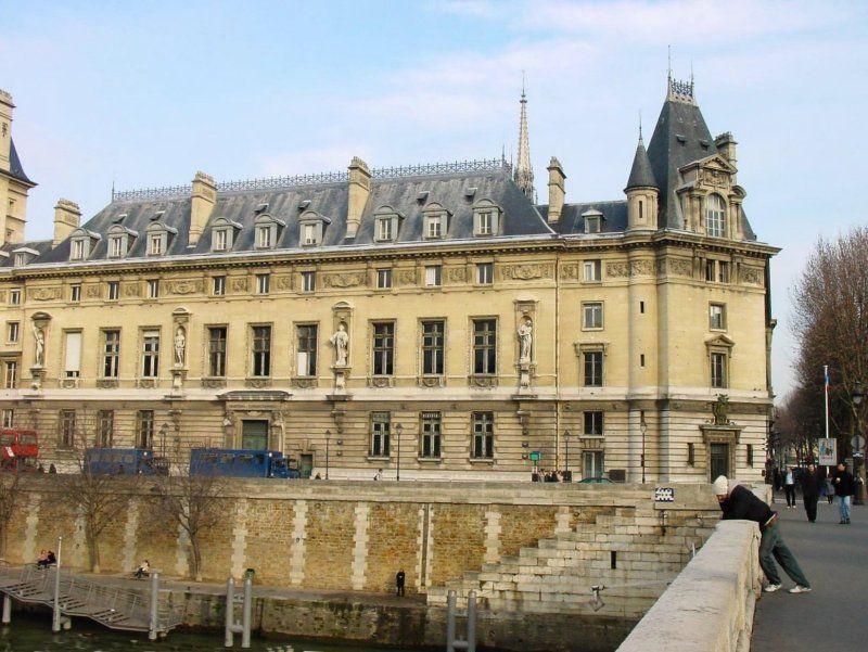 Palais de Justice  et Quai des Orfèvres -Ile de la Cité