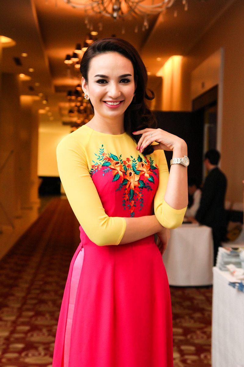Chiêm ngưỡng những mỹ nhân Việt diện áo dài đẹp tuyệt vời 18