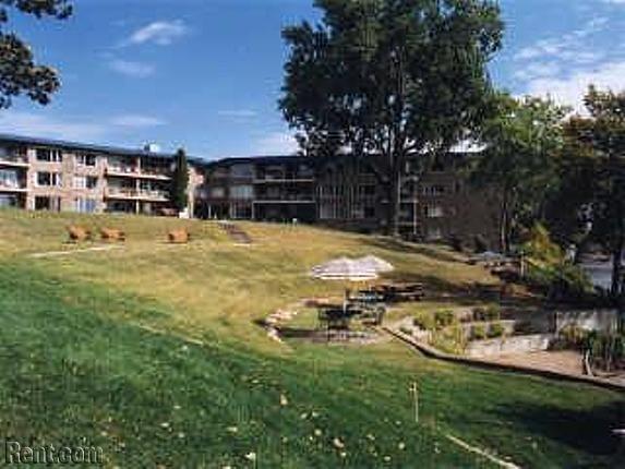 Minnetonka Edgewater 4177 Shoreline Drive Spring Park Mn 55384 Rent Com Spring Park Edgewater Minnetonka