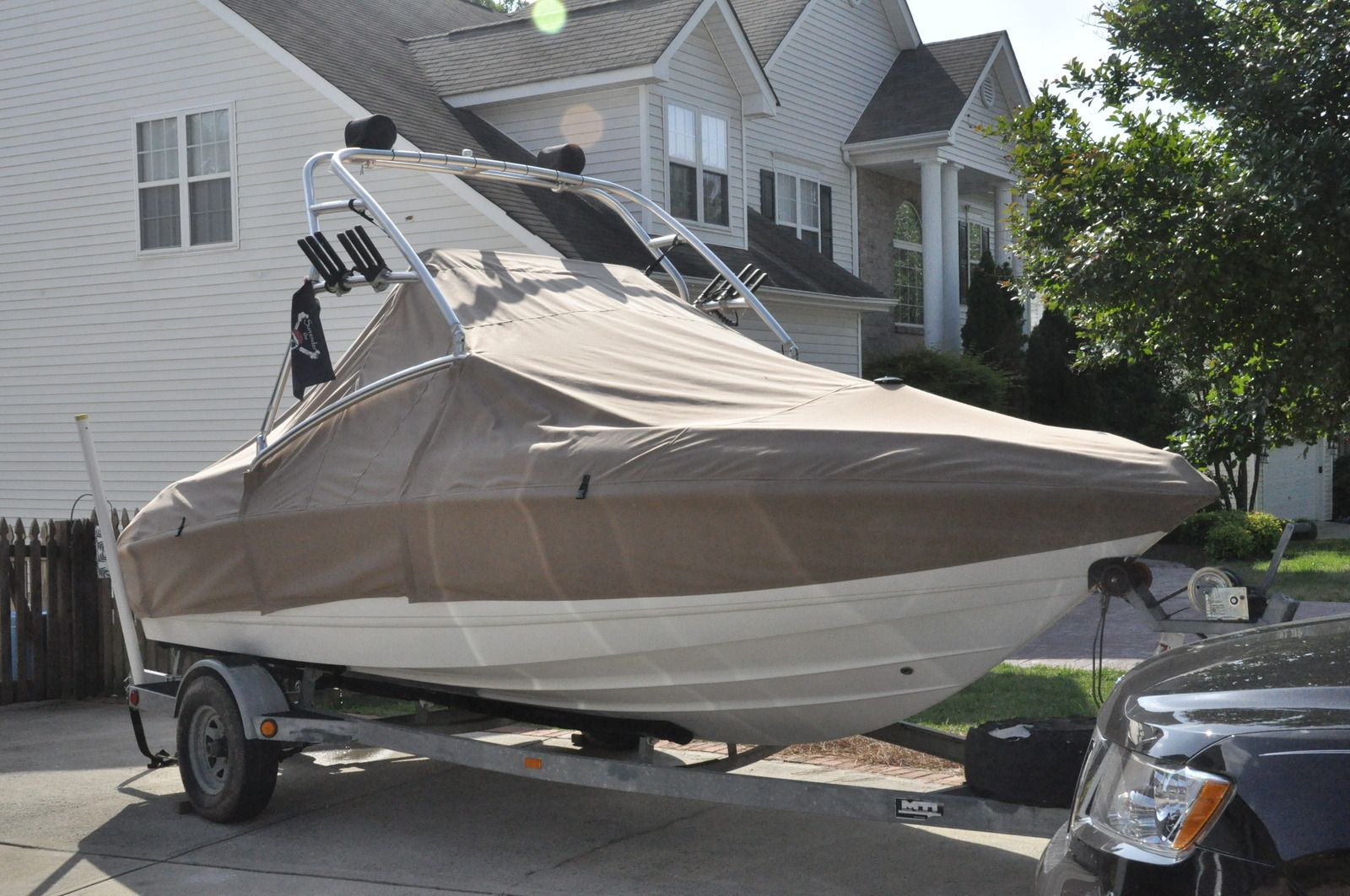 Sailrite Customer Carl N Made This Trailering Cover For His Boat Make Your Own Boat Cover With Supplies From Sailrite Com Marine Outdoor Fabric Boat Covers