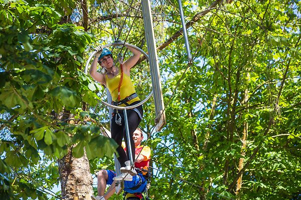Amateurs de sport de plein-air ? Réservez vos prochaines vacances au camping Port de Plaisance dans le Finistère ! Plus d'infos : https://www.tohapi.fr/bretagne/camping-port-de-plaisance.php   #tohapi #vacances #camping #activités #benodet #bretagne #portdeplaisance #finistère #accrobranche #pleinair
