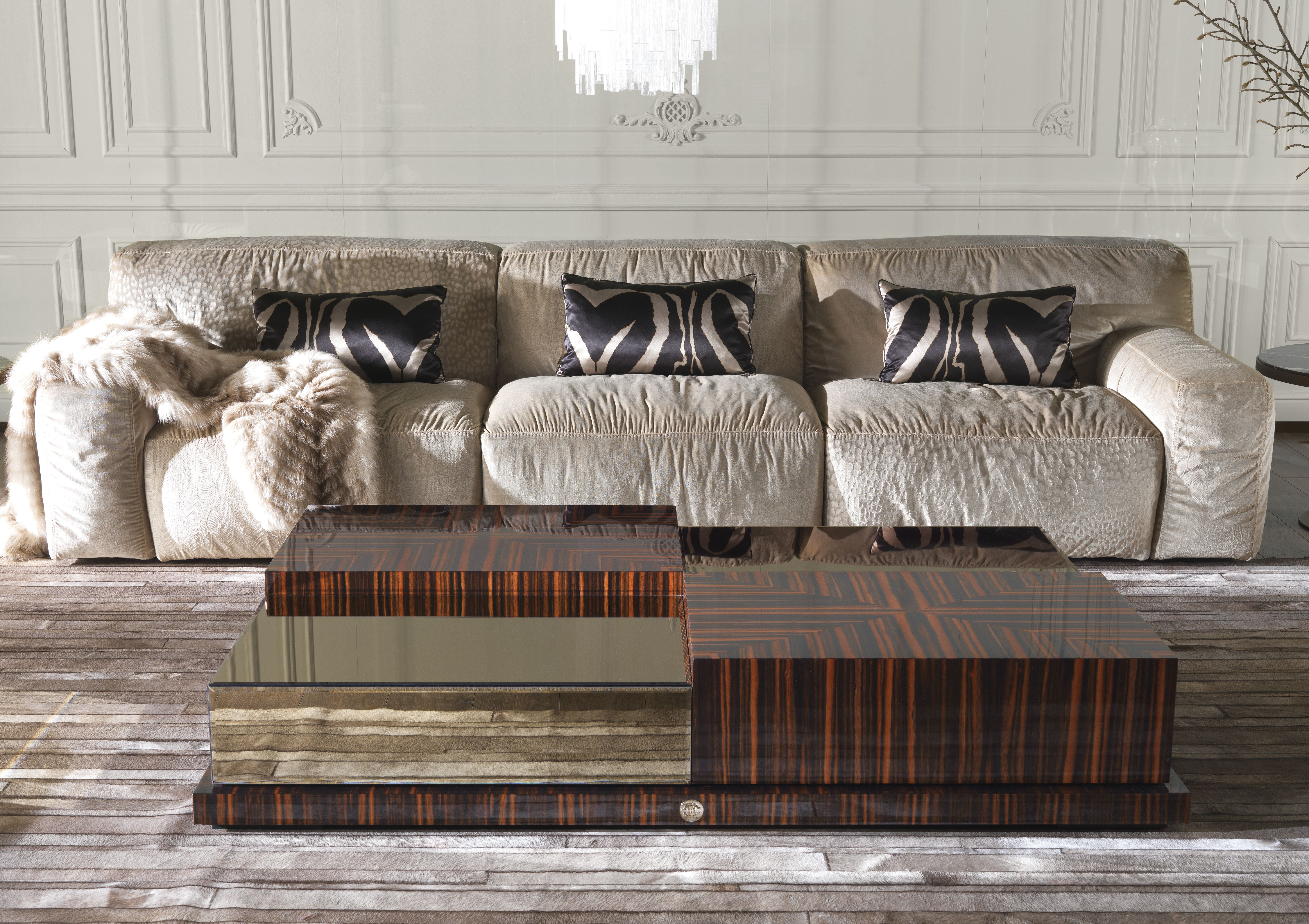 roberto cavalli beige sofa #luxuryinteriors #interiorsblog ... - Bubble Sofa Von Versace
