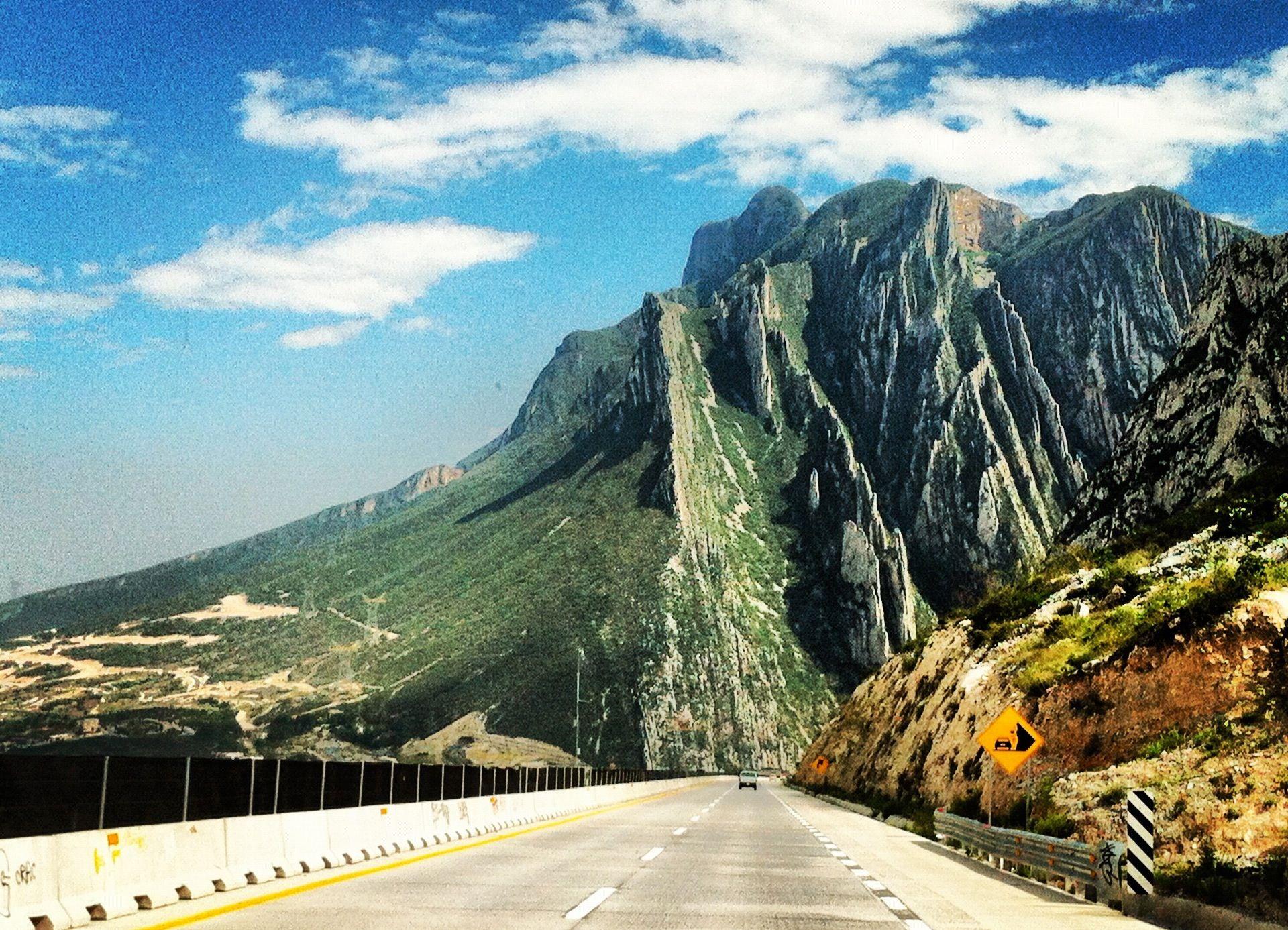 La Huasteca Monterrey Nuevo León México Visto Desde La Autopista De Salillo A Monterrey Places To Visit Mexico Monterrey