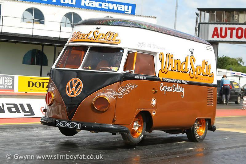 Un VW Combi un peu spécial... 330 hp inside Combi, Combi