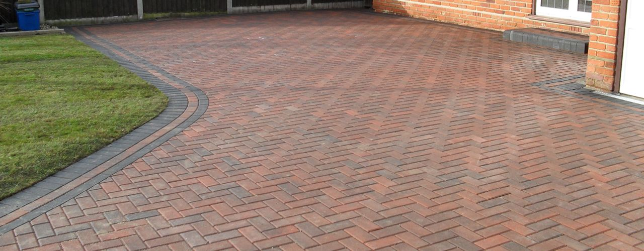 Block Paving Driveways Tar And Chip Decorative Stone