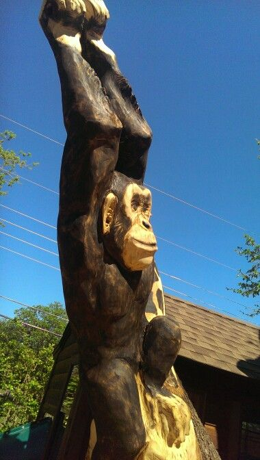 Chainsaw carving monkey my art carving lion sculpture sculpture