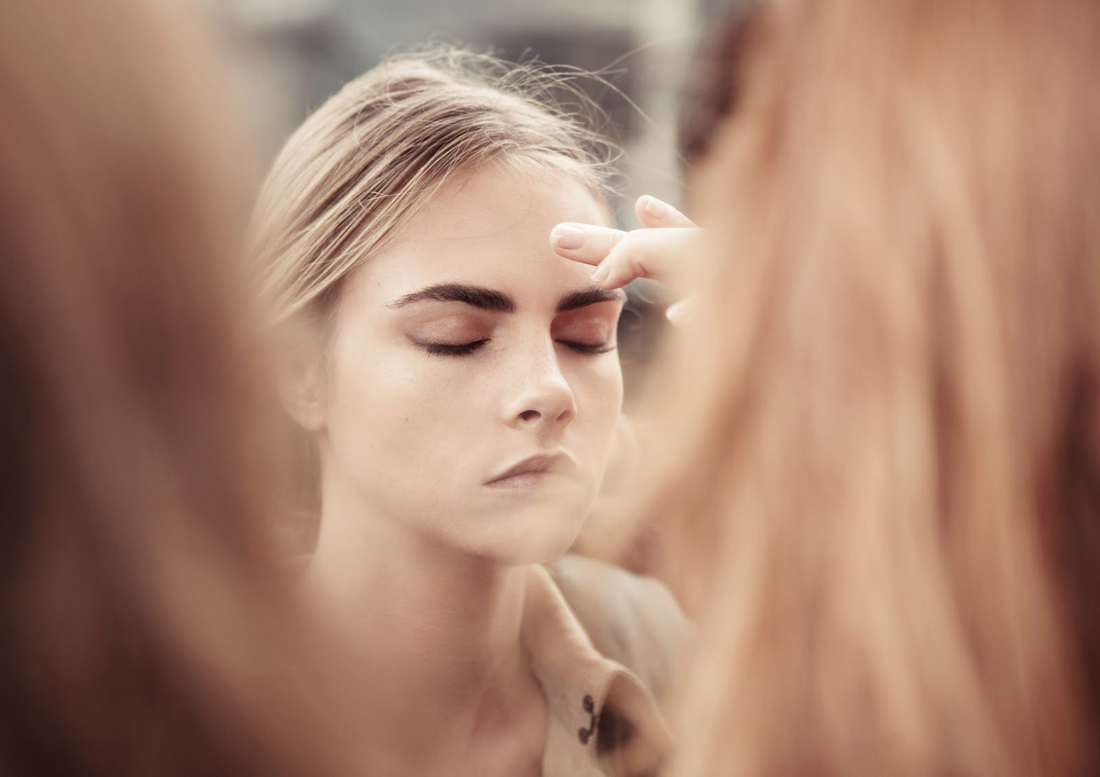 foto Cara Delevingne Fronts New Burberry Body Tender Campaign