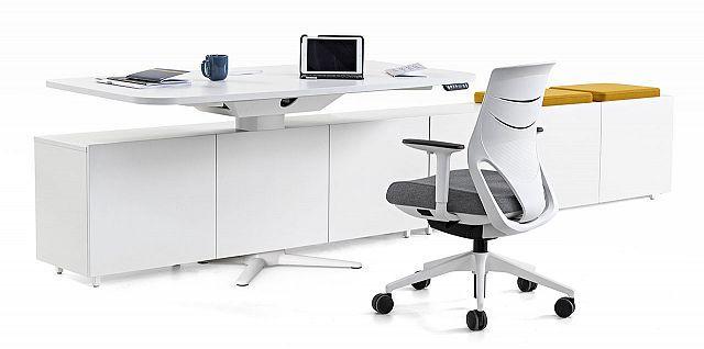 Table de travail r gable en hauteur power aussi pour - Table de travail reglable en hauteur ...
