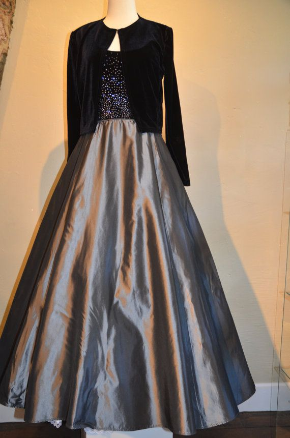 Just in time for the Holiday Season!  Vintage Styled  Classic Tom Barra Formal Floor Length Gown by URUDecor, $60.00