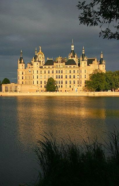 Schwerin Palace Right After The Rain Germany Germany Castles Schwerin European Castles
