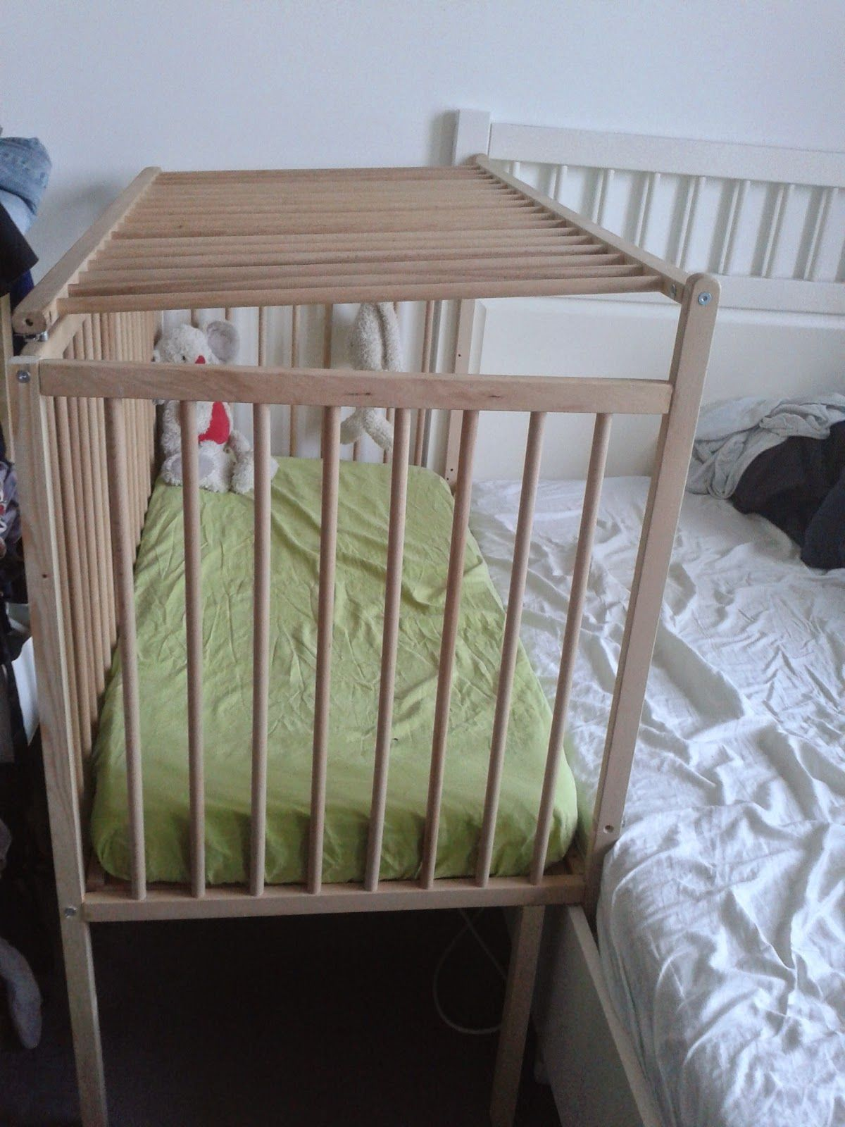 Diy Ikea Sniglar Hack Co Sleeper With Safety Gate Exactly What I M Looking For Ikea Crib Baby Bed Ikea Baby