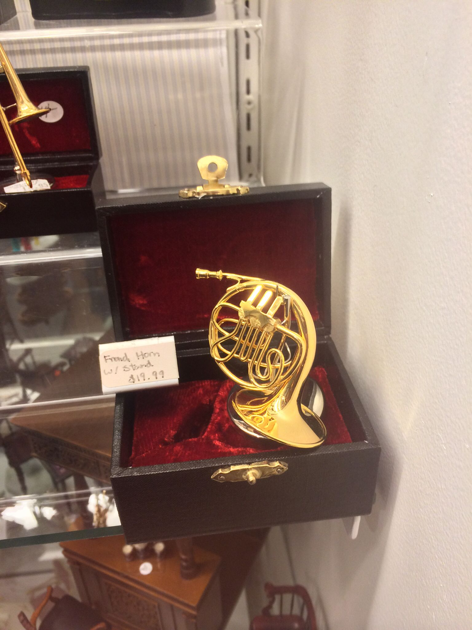 French Horn Music D Pinterest French Horn And Instruments # Muebles Violino