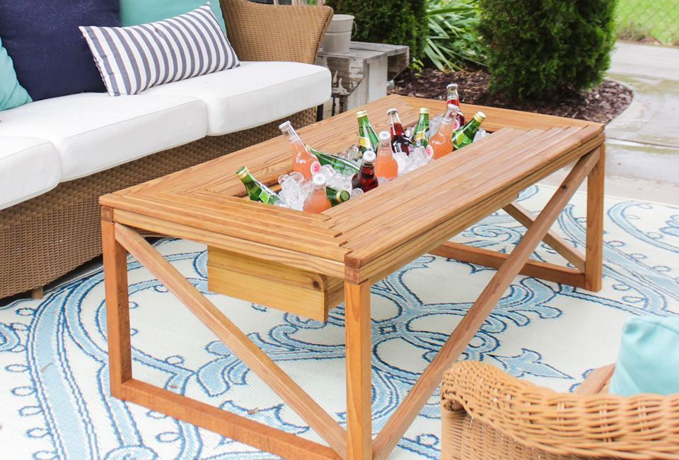 Outdoor Coffee Table With Beverage Cooler Diy Bloggers To Follow