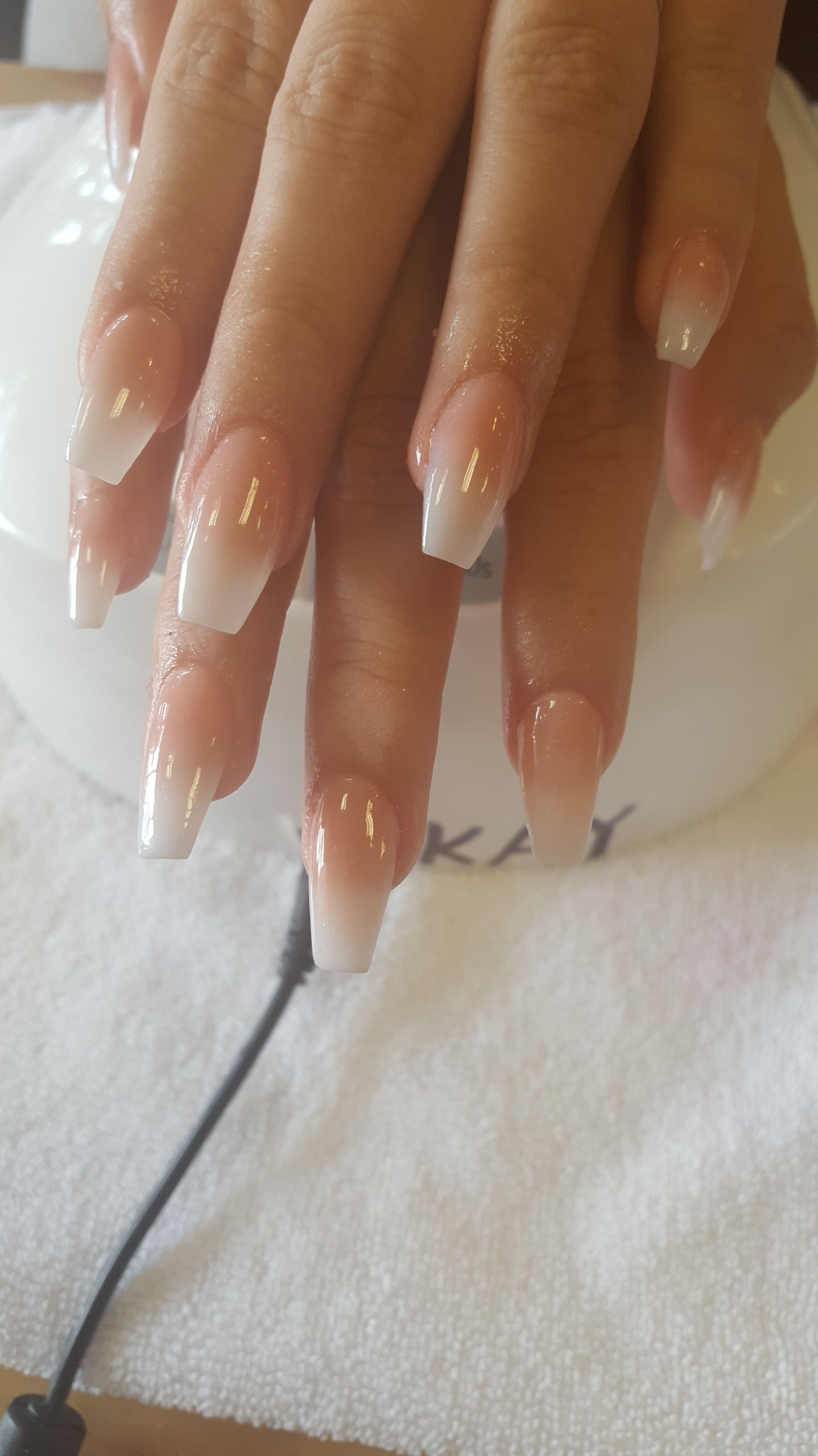 Ombre Natural Looking Acrylic Set Ombre Ombrenail Acrylic Acrylicnails Omb Burgundy Acrylic Nails Natural Looking Acrylic Nails Natural Acrylic Nails