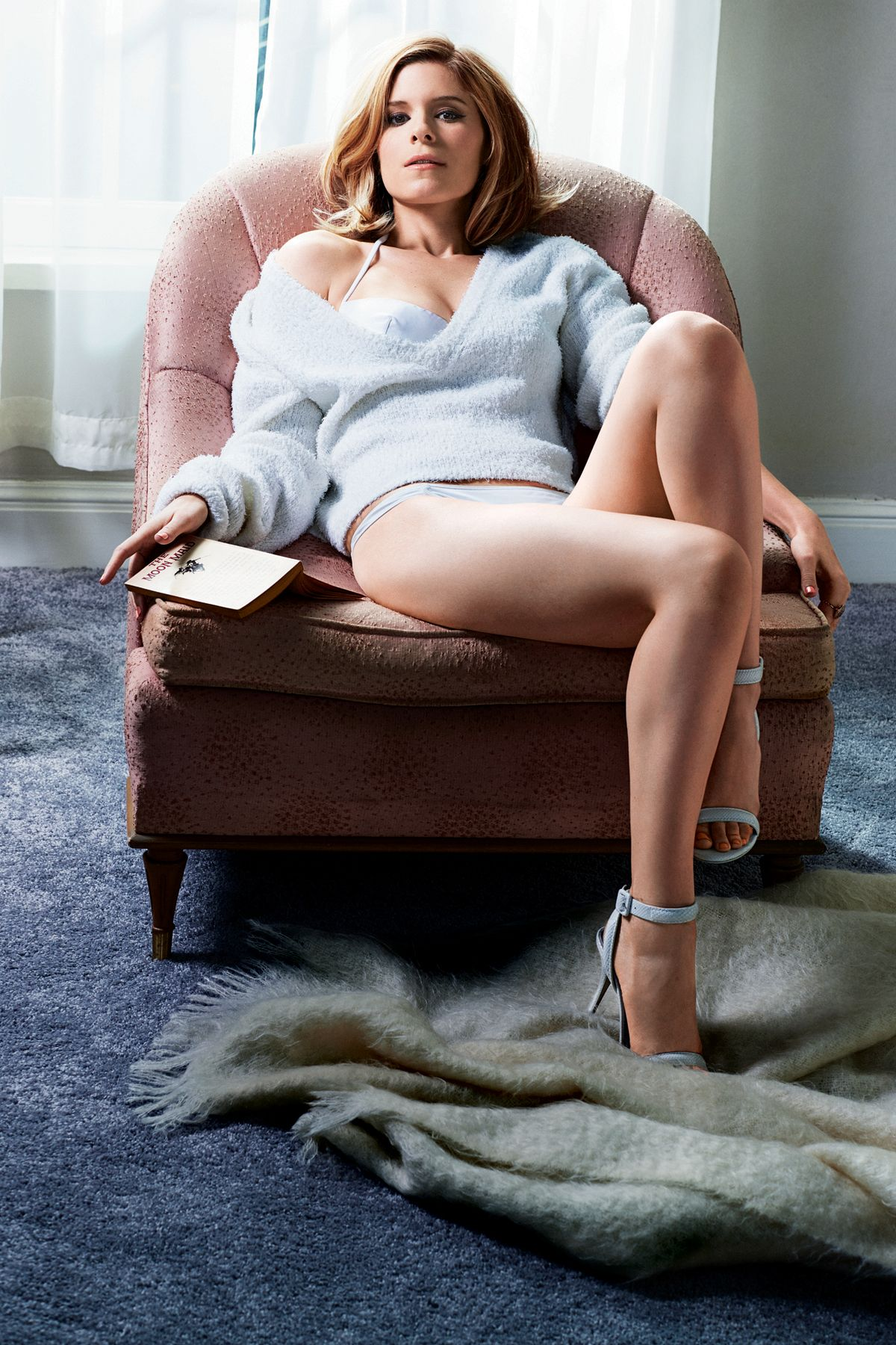 Ace Of The Pack House Of Cards Star Kate Mara In Her Underwear For