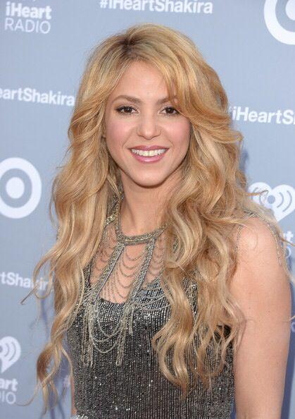 Shakira Celebrity Long Hair Thick Hair Styles Long Hair Styles