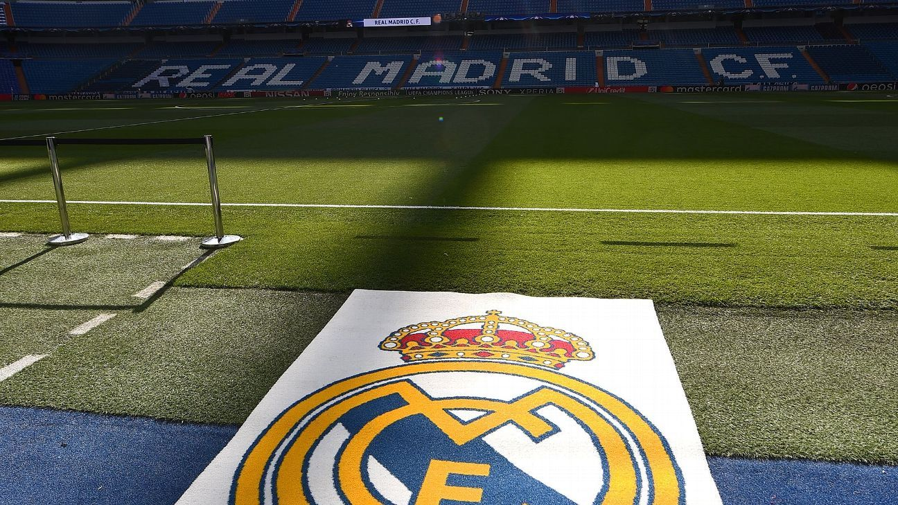 Real Madrid S Planned 575 Million Revamp Of The Santiago Bernabeu Will Not Affect The Club S Transfer Strategy Soccer Team Soccer Soccer News