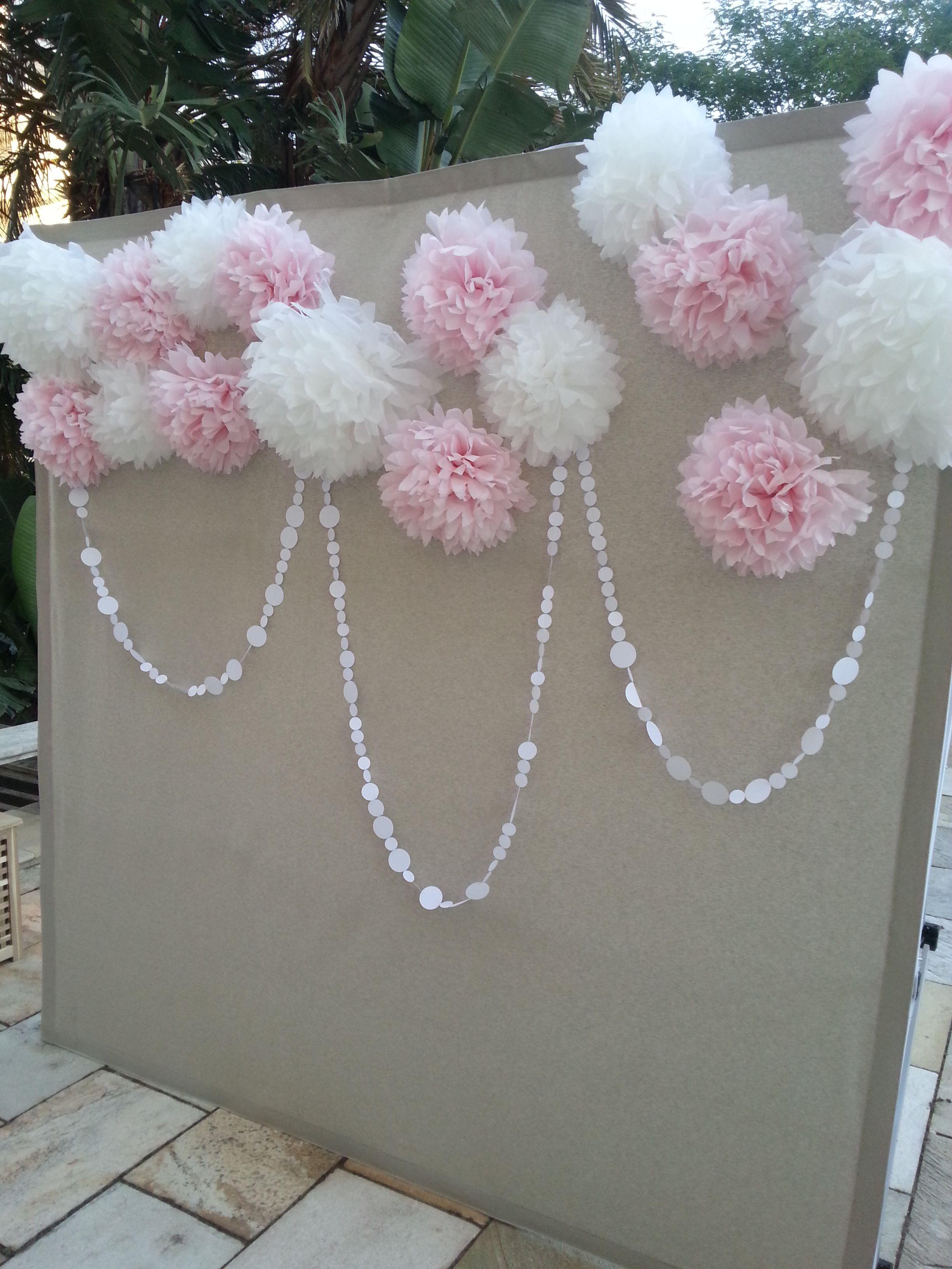 Photocall pompones rosa murales flores papel pinterest pompones boda y comuni n - Photocall boda casero ...