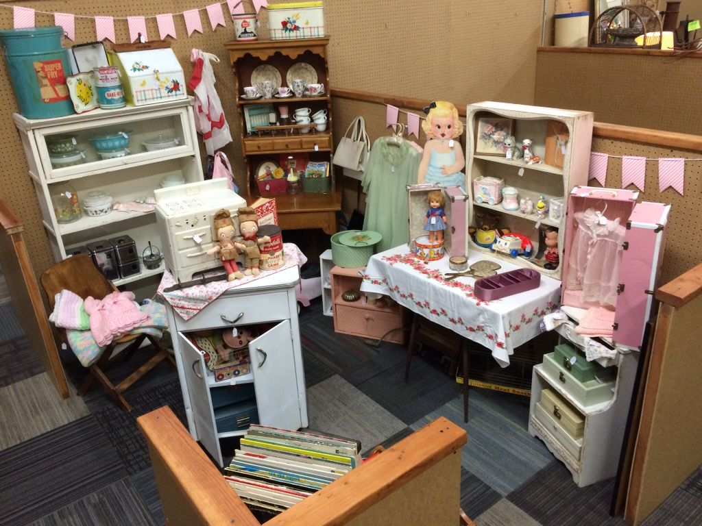 Please check out Call It New Call It Antiques Space # R3. Located in Mesa, Arizona!