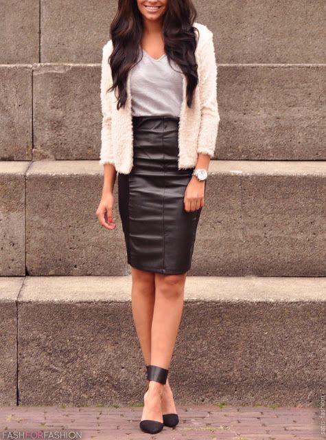 Black leather skirt <3 Para quem deseja transmitir Elegância com toque de seriedade. #amei