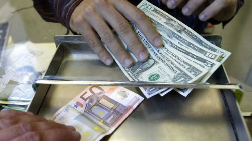Less than one euro to the pound at many UK airports... - http://news.abafu.net/world-news/less-than-one-euro-to-the-pound-at-many-uk-airports