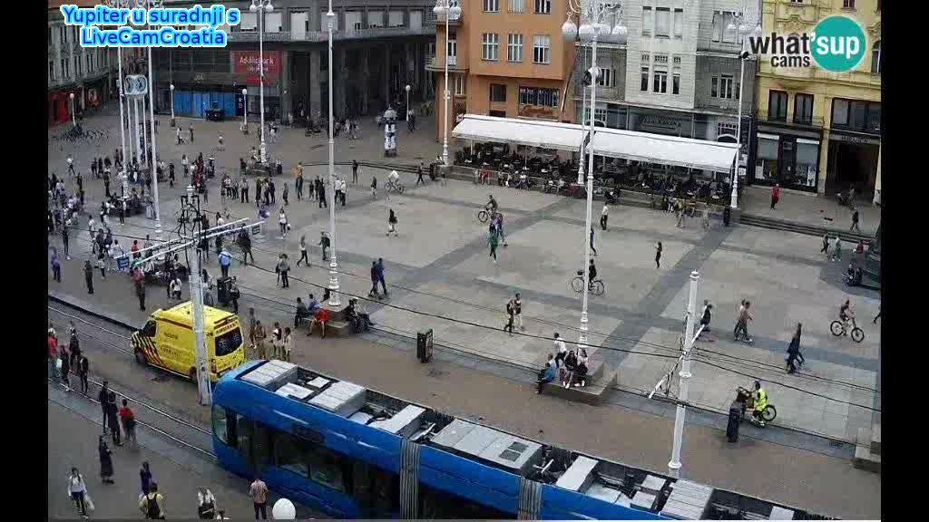 Zagreb Trg Bana Josipa Jelacica Jedno Prohladno Ljetno Predvecerje Youtube Zagreb Scenes